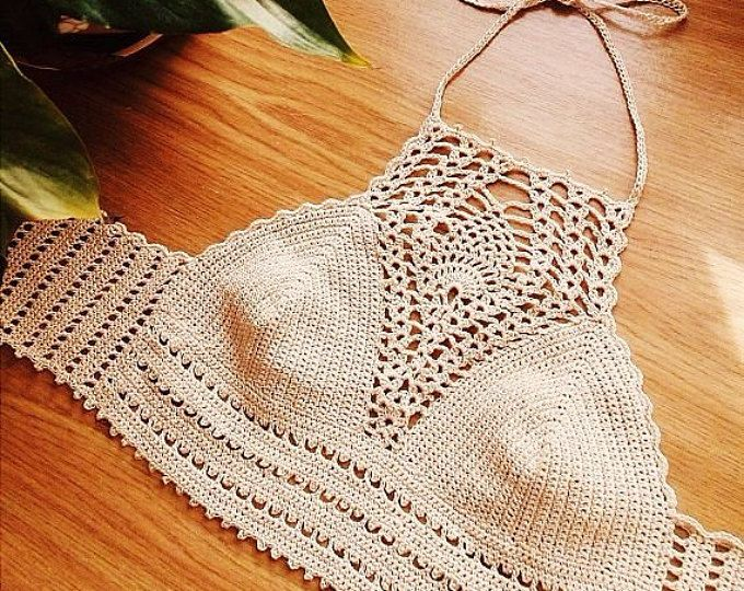 Crochet halter/crop top is hand made by Harley+Q Crochet. Item is carefully made to order and customized to fit you or yours.  Size on photo: 34B Size on model: 36C Color on photos: Beige, White and Turquoise Available in A, B, C, D cup bra sizes. If you want to order other size, please convo me.  **********************  SHIPPING NOTE: Your order will be READY to ship within 6-8 BUSINESS DAYS after the payment is received. WORLDWIDE SHIPPING. Usually the standart delivery time takes about…