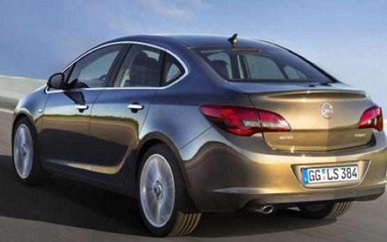 14 - Opel Astra sedan