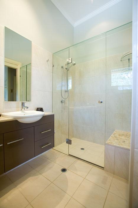 Frameless Rectangle Shower