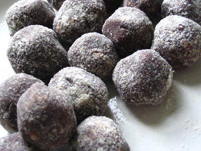 Peanut Butter Carob Balls   Lisas Kitchen   Vegetarian Recipes   Cooking Hints   Food & Nutrition Articles