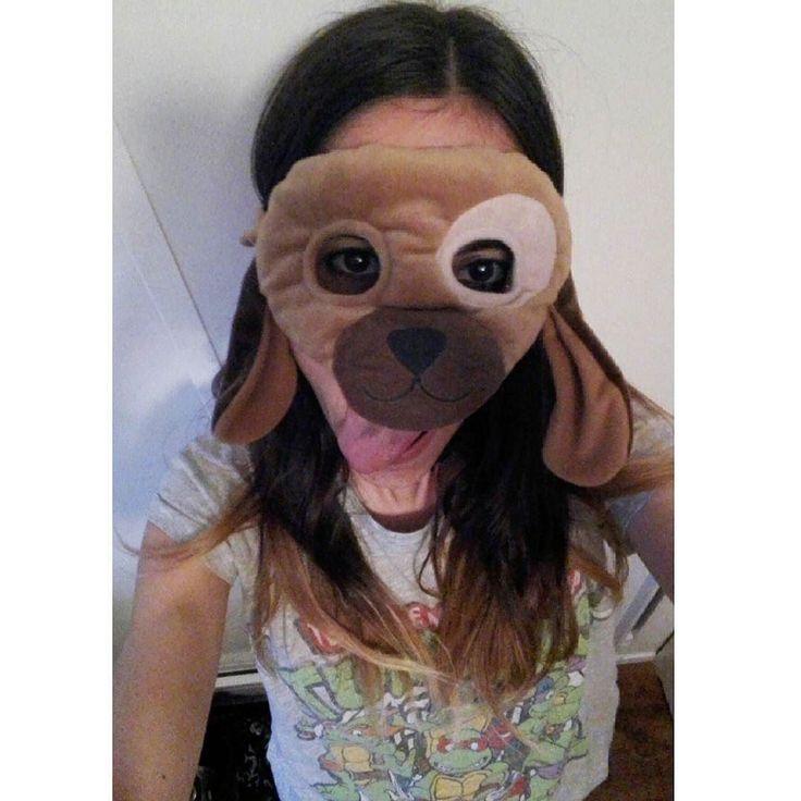 Me pregunta @carlcaesar si tengo Snapchat: no no tengo tengo una pequeña adicción a las redes sociales pero Snap no me llama nada. Eso sí ya veis que no me hace falta ninguna app para ponerme la cara de perro xD P.D.Día 18 del #fitnesschallenge: 60 burpees 155 sentadillas 2' de tabla y 105 abdominales. La cosa se pone interesante! #buenasnoches #miercoles #juego #instayo #camisetasmolonas #reto #superandolimites #estoyquelopeto by glamourdelust