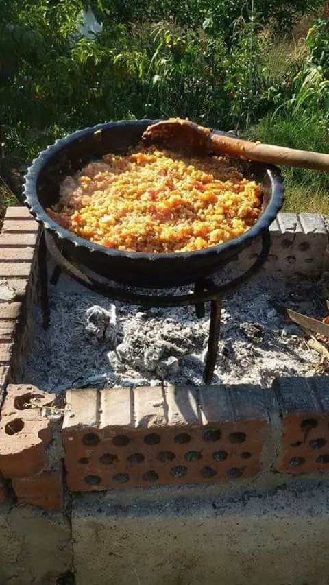 Borgol Bil Banadora = Bulgur cooked with onions and tomatoes, a simple traditional dish from the Syrian coast #Syria #Latakia #Tartous