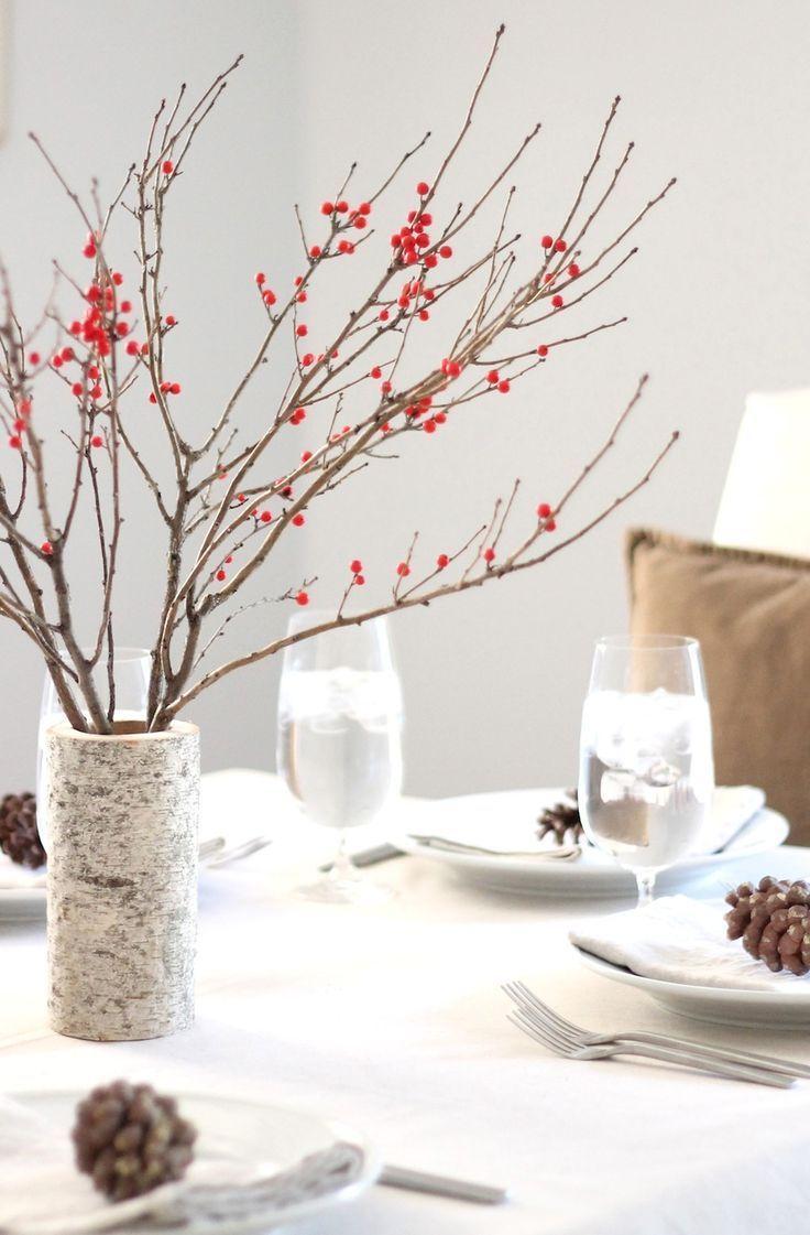 centre de table original à faire soi-même en tronc de bouleau et baies rouges