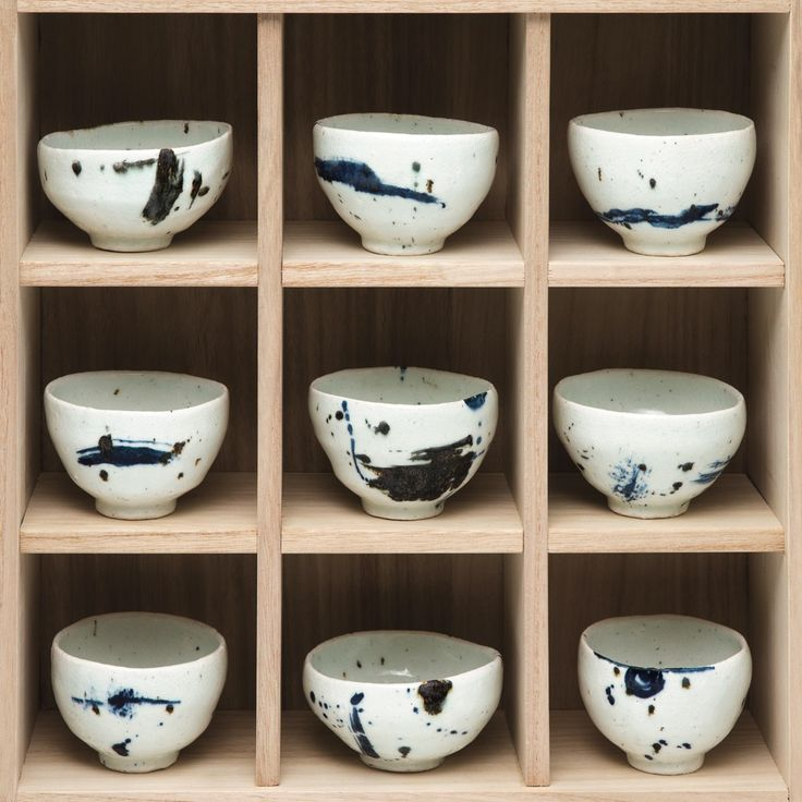 Goldmark are thrilled to announce our second exhibition of ceramics by Lee Kang-hyo, one of the finest potters presently working in Korea.
