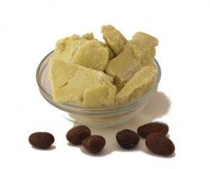 Vidéo de Julien Kaibeck expliquant les avantages du beurre de karité pour la peau sèche, les cheveux, l'eczéma ou le soleil