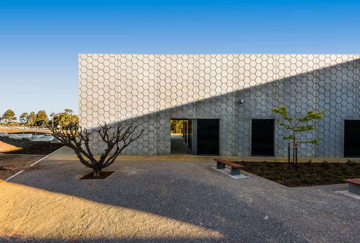 GHD Woodhead designed the Australian Future Fibres Research and Innovation Centre (AFFRIC) at Deakin University's Waurn Ponds Campus as part of the Geelong T...