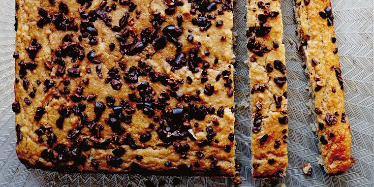 The main ingredient of these blondies are cannellini beans! Teamed with ripe banana and plenty of spices offers up some pretty fudgy + delicious little morsels.