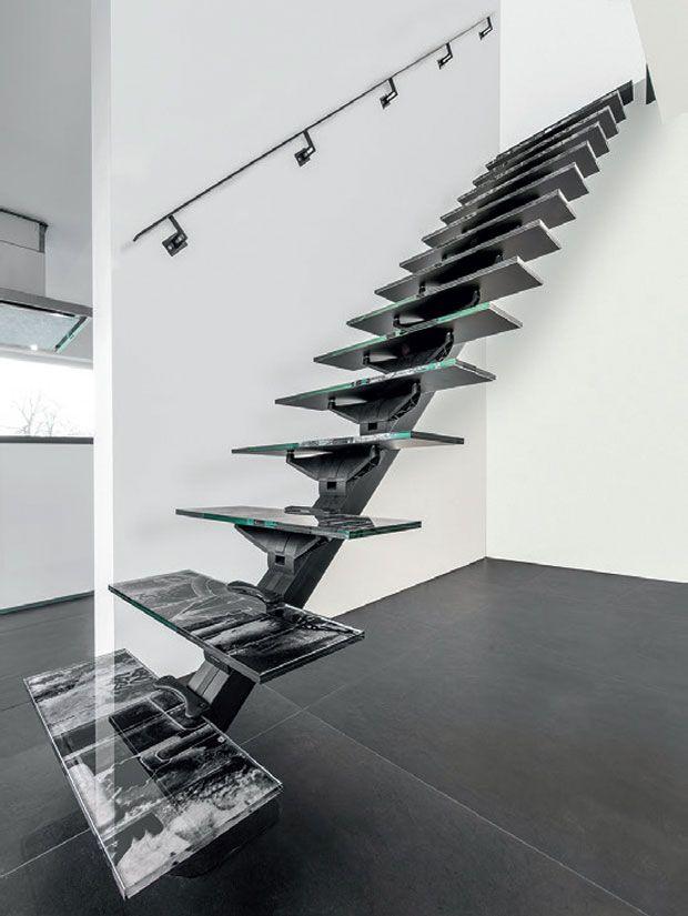 04-escada-pre-montada-fica-pronta-em-uma-hora