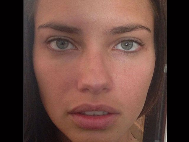 Adriana Lima before the carpet at the 2013 CFDA Awards. No makeup, still stunning. #beauty