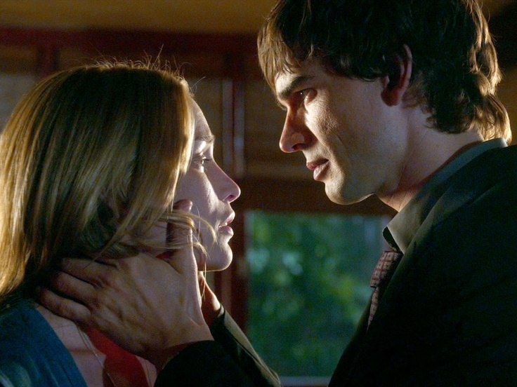 Are auggie and annie dating on covert affairs opinion