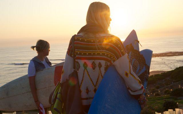 sweaterSweaters, Beach Lights, Beachlife, Surf Sea Sun Sands, Talent O'Port, Summer, Surf Style, Surfers Girls, Beach Life