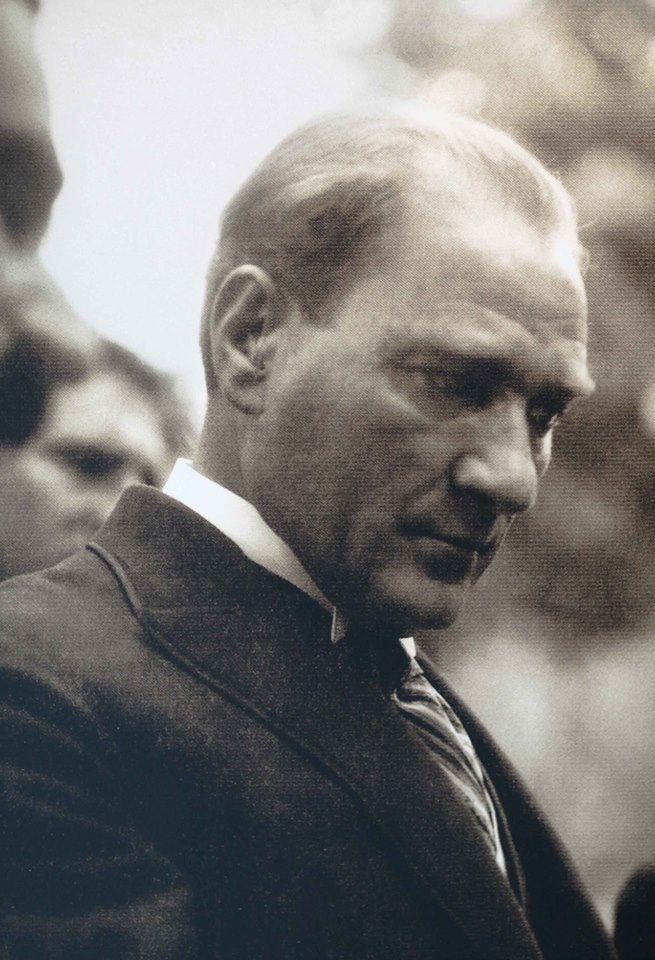 mustafa kemal atatürk the first president Mustafa kemal atatürk was the first president of turkey until his death in 1938he is known for being a leader of turkey who freed the country from being controlled by other countries, and later for starting changes that made turkey more modern and similar to western civilization, mainly europe and the united states.