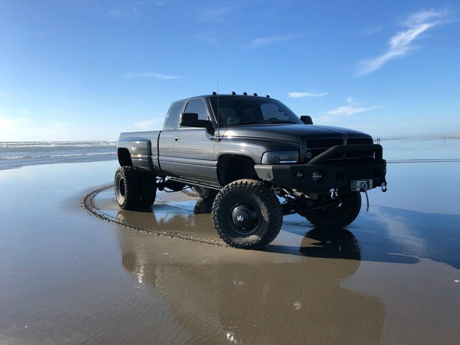 Halfmilliondually S 1996 Dodge Ram 3500 Dually With 37x12 50r17 Cooper Discoverer Stt Pro Tires On 17x8 Wheels Dodge Ram Dodge Trucks Dodge Trucks Ram