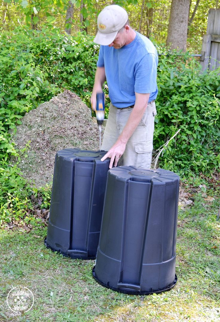 Don't spend a bunch of money on a compost tumbler. Learn how to make one for less that $20 with supplies you can get at your local home improvement store!