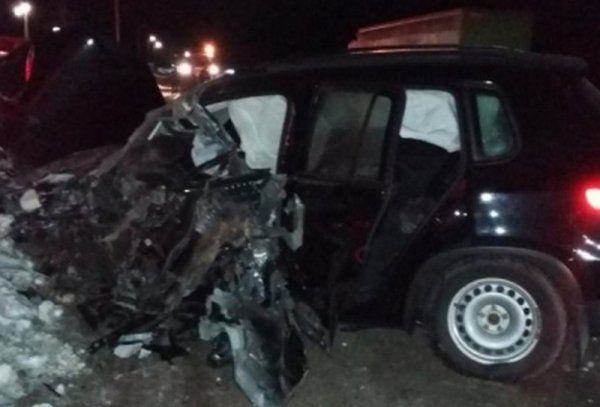 Иномарка врезалась в автобус в Михайловском районе , водитель погиб