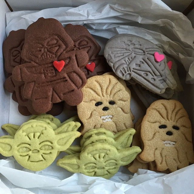 Star Wars Cookies...I need these cutters!!