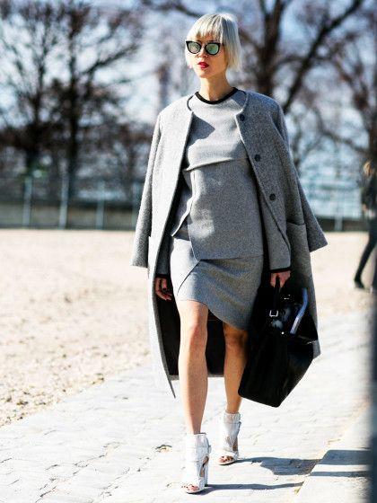 Wir lieben GRAU! Die vielen Varianten von Grau-Tönen sind nämlich jetzt auch bei Fashionistas mega angesagt, wie man an diesem coolen Streetstyle sehen kann!