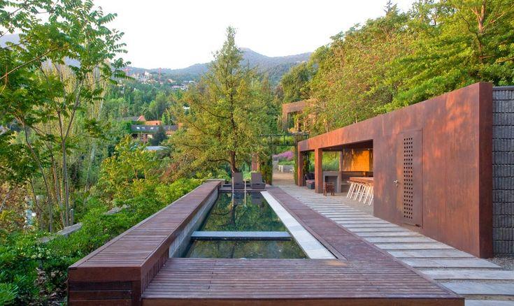 definitely the coolest house ever. Loft Lo Curro / Matías Silva Aldunate Architect