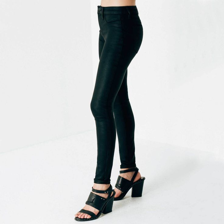 <p>Our curve-hugging High Waisted Skinny gets a new look in luxe Coated Powerstretch. This moto-inspired black jean has the perfect skinny silhouette as well as a supple, wearable feel thanks to innovative Powerstretch. The high-performing fabric gives you total freedom of movement and even smooths and lifts your shape.</p>