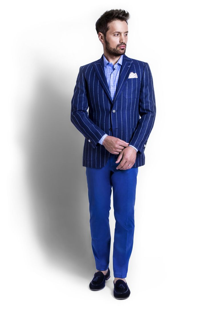 Zenonni is proposing a smart combination : Navy Blue Stripes Blazer with Blue Cotton Trouser plus Light Blue Checkered Shirt.