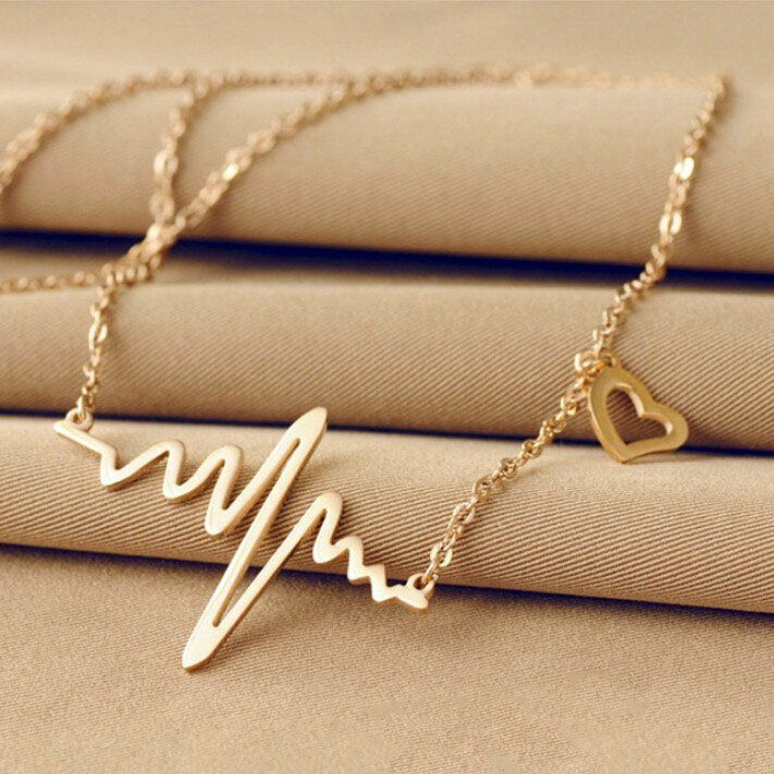 - Item Type: Necklaces - Necklace Type: Pendant Necklaces - Chain Type: Link Chain - Length: 70.0cmåÊ - Shapepattern: Heart