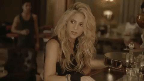 Shakira se está reuniendo con un hombre secretamente en la madrugada y no es su esposo Piqué