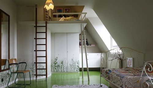Lit mezzanine dans une chambre d'enfant design