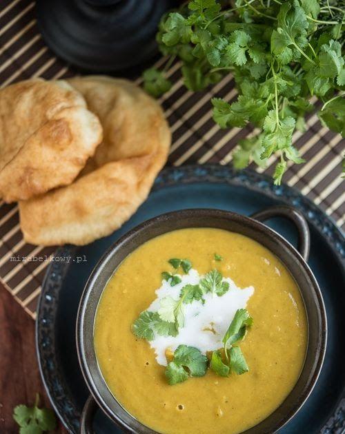 Kiedy w styczniu robiłam dal po delhijsku , przekonałam się, jak niezwykle aromatyczne są indyjskie zupy. Zupa Mulligatawny zawiera jeszcze ...