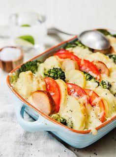 Potetgrateng med pølser, fløte og masse gode grønnsaker kan bli barnas nye favoritt! Her er tre gode grunner til å lage potetgrateng til middag – ofte!