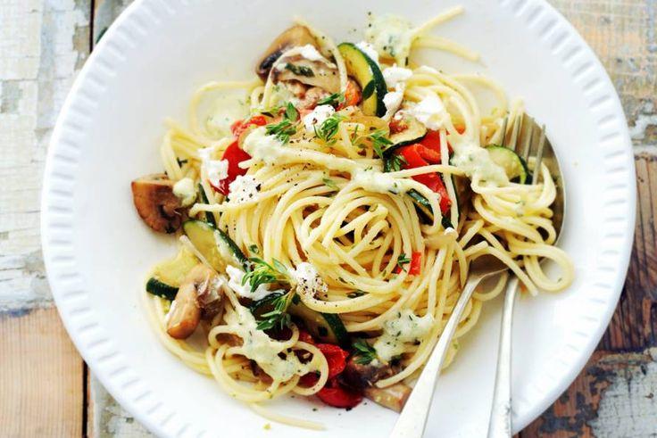 Kijk wat een lekker recept ik heb gevonden op Allerhande! Spaghetti met paddenstoelen en courgettesaus