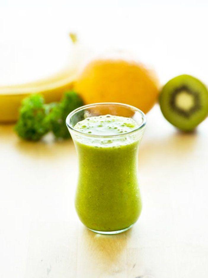 作りやすくて飲みやすい! ここから始める基本のグリーンスムージー。|『ELLE a table』はおしゃれで簡単なレシピが満載!