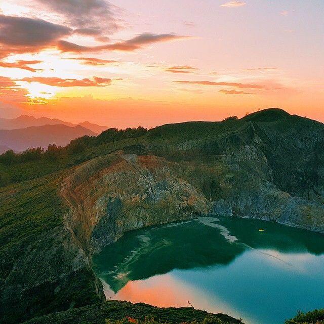 Danau 3 Warna, Kelimutu, Flores, Nusa Tenggara Timur, Indonesia