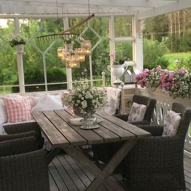 Best 20+ Shabby Chic Patio Ideas On Pinterest