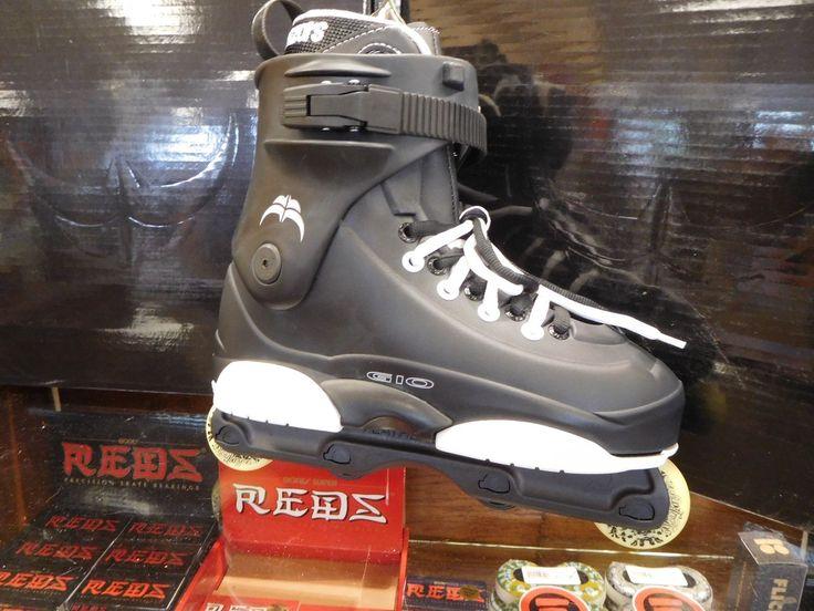 Razors Genesys G10 Aggressive inline Skates Rollerblades New NIB Black SALE!!