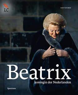 """Boek """"Beatrix, koningin der Nederlanden"""" van Han van Bree   ISBN: 9789000320943, verschenen: 2013, aantal paginas: 192 #beatrix #koningin #queen - Beatrix, koningin der Nederlanden, achter deze eenvoudige aanduiding gaat een wereld schuil die in dit bijzondere boek, dat verscheen ter gelegenheid van haar 75e verjaardag, laag voor laag wordt blootgelegd.."""