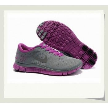 Get Nike shoes as a gift for your friends or family! sportshoespub.us/