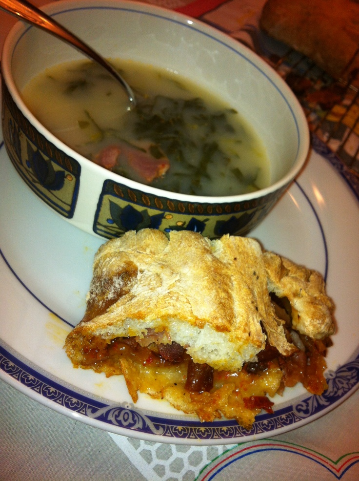 Bread with chorico and calde verde soup