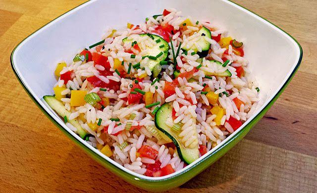 Geheime Rezepte: Sommerlich leichter Reissalat ohne Fleisch und Wurst - kalorienarm (zum mitnehmen ins Büro)