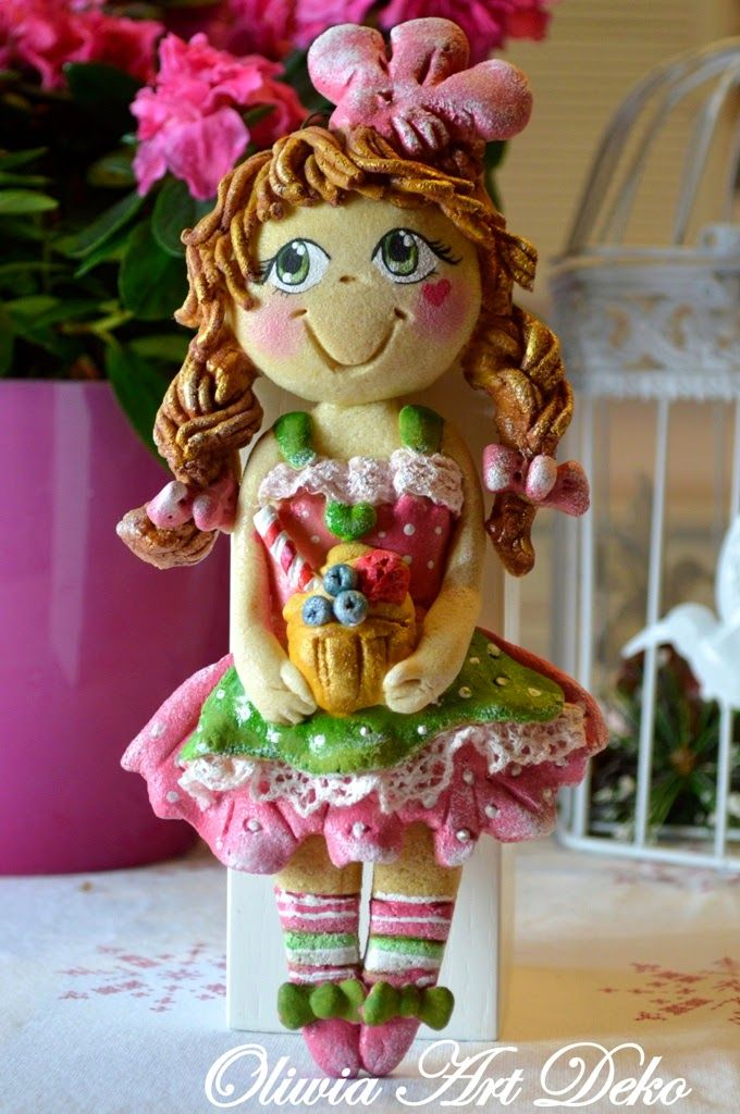 Oliwia Art Deko: Dynigłówkowa laleczka i anioły :)