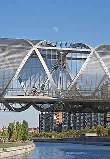 Arganzuela footbridge, Madrid,sobre el rio manzanares. Spain.  How did I miss this on my last trip?!