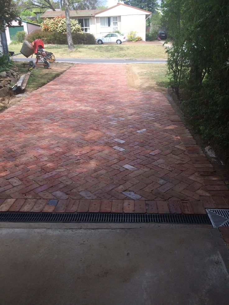 Best 20 brick driveway ideas on pinterest brick walkway for Garden design ideas canberra