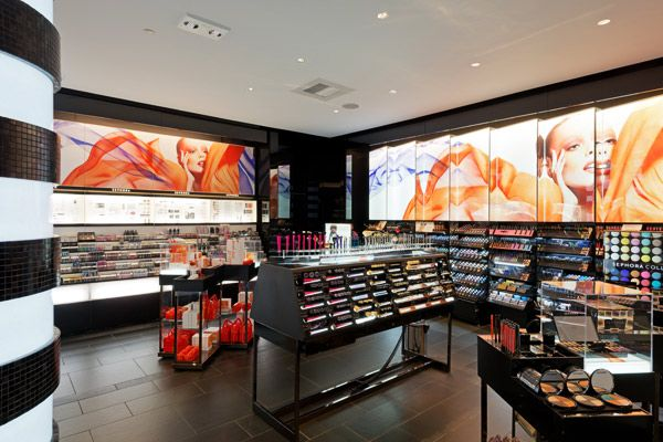 Sephora, New York :: Bright backlit graphic panels add dimension and light