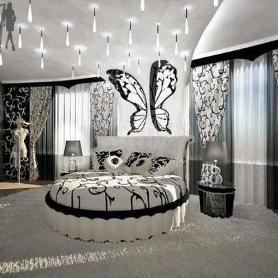 I love this bedroom this looks like a room that regina for Cortinas para recamara