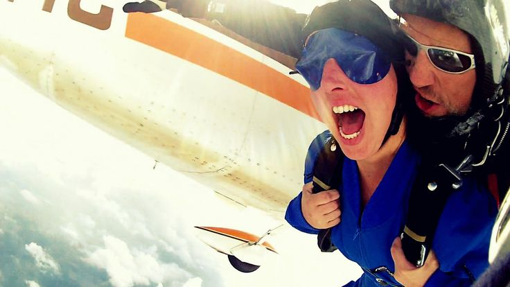 Dare your first jump! Tandem Skydive Tandemmichl