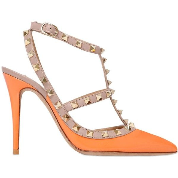 Valentino Women 100mm Rockstud Patent Leather Pumps (€610) ❤ liked on Polyvore featuring shoes, pumps, light orange, studded pointy toe pumps, orange pumps, orange shoes, patent leather pointed toe pumps and studded pointed toe pumps