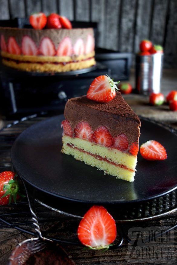 Schokoladencremekuchen mit Erdbeeren – Zungenzirkus   – Schokolade Rezepte – sweet und lecker