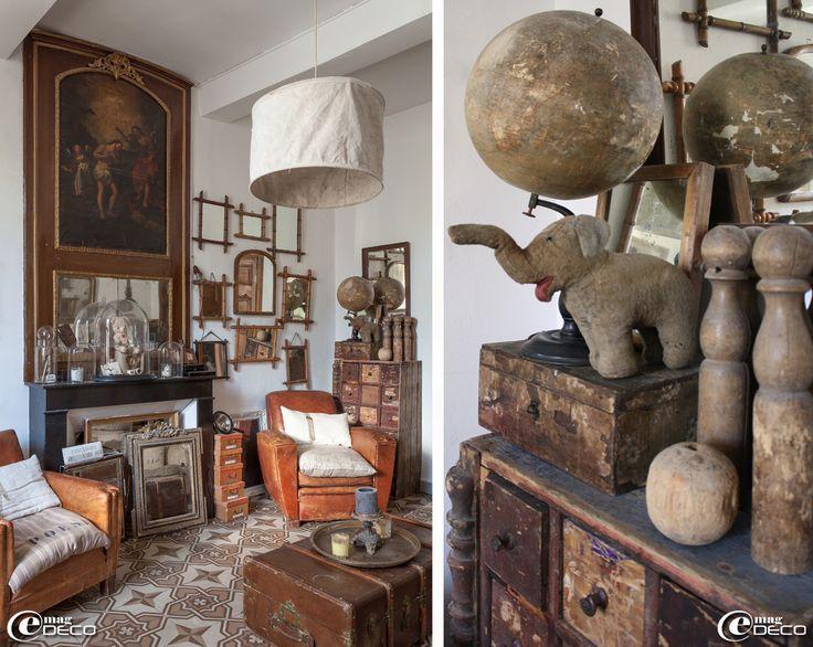 Dans un ancien appartement uz s un trumeau d cor d 39 une peinture relig - Deco appartement ancien ...