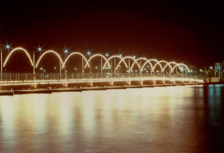 Koningin Emmabrug light decorations (1978)