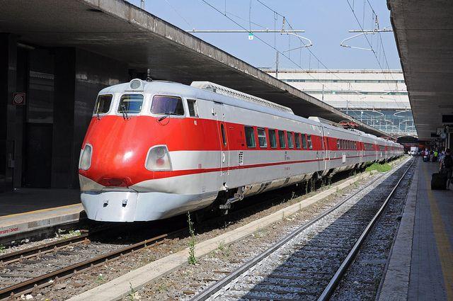 Tilting High Speed Train ETR 450 Pendolino 1969 - photo by Hugo van Vondelen, via Flickr