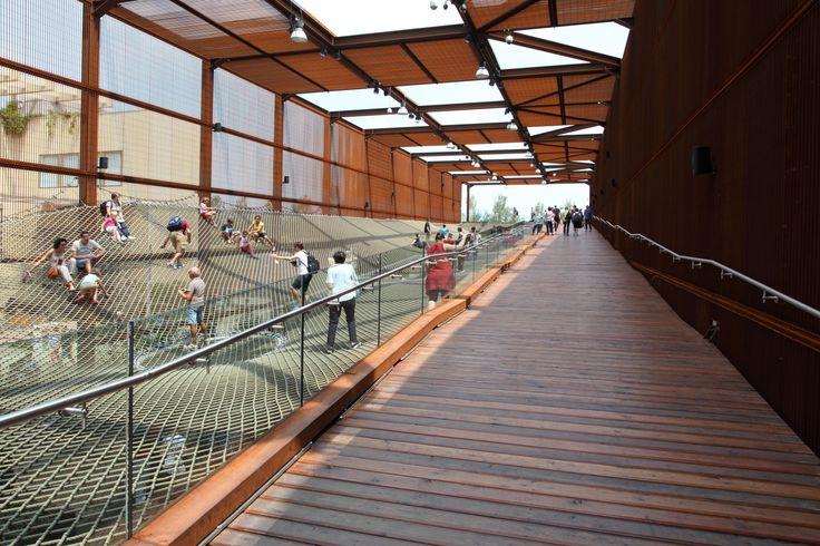 Veranda Padiglione Brasile - effetto legno #beautiful #place #padiglioni #green #garden #outdoor #indoor #tiles #caesarceramiche
